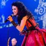 Sharon-Den-Adel-in-Black-Symphony-within-temptation