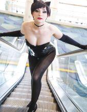 Nadyasonika Cosplay Harley Quinn and Jennifer Van Damsel cosplay Catwoman (Bunnysuit version) 7
