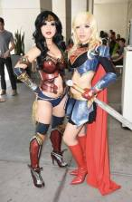 Chubear Cosplay Wonder Woman Mulher Maravilha e Stella Chuu Cosplay Supergirl (2)