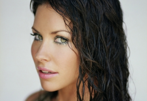 evangeline-lilly-in-talks-ant-man-[lost]