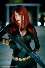 Crystal Graziano cosplay da Viúva Negra (Black Widow)