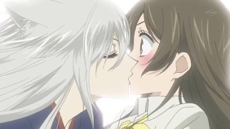 Kamisama-Hajimemashita kiss
