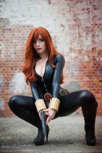 Katyuska MoonFox cosplay Viúva Negra (Black Widow)