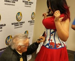 Ivy Doomkitty Cosplay sexy pin up com Stan Lee