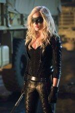 Arrow-Caity Lotz - Black Canary - Canário Negro (1)