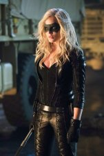 Arrow-Caity Lotz - Black Canary - Canário Negro (1)