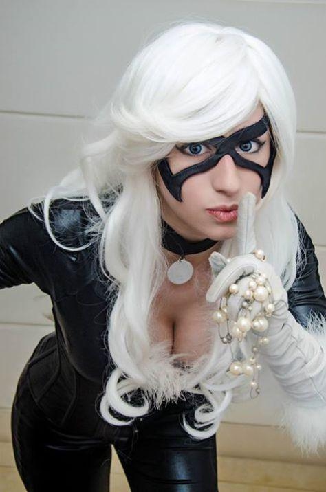 Dy Chan cosplay gata negra sexy 2