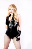 Black Canary Cosplay Kitty Honey (Canario negro)
