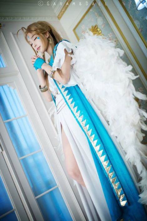 Momoren Cosplay Belldandy