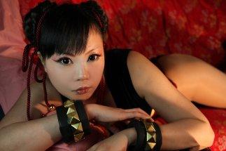 Elin-Kuzunoha Chun li Cosplay gata 10
