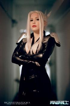 Lady Sephiroth - FF7 II cosplay gostosa sexy crystal graziano 2