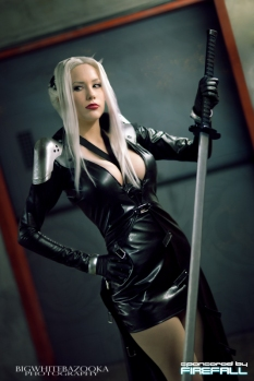Lady Sephiroth - FF7 II cosplay gostosa sexy crystal graziano