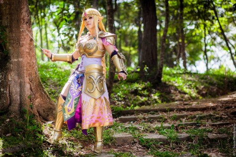Queen Zelda from Hyrule Warriors Layze Michelle cosplay