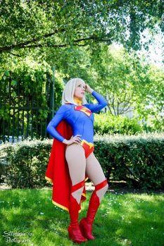 Supergirl cosplay Clef's Atelier, La Petite Feuille (França)