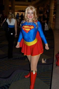 supergirl cosplay sexy gata Milla Bishop (3)