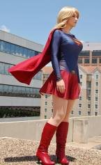 Supergirl Cosplay Kay Jay