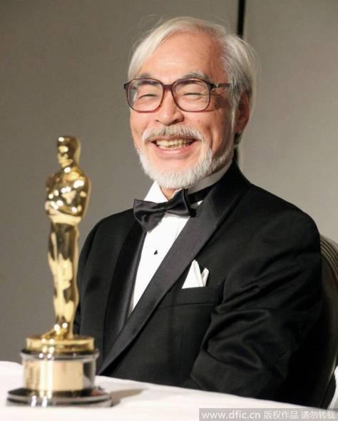 Hayao Miyazaki ganhando o Oscar