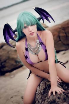 Morrigan Cosplay bikini Ju Tsukino