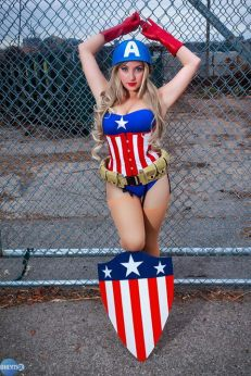 Cosplay Jaycee pin up captain america (capitão america)