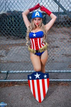 Cosplay Jaycee pin up captain america (capitão america)