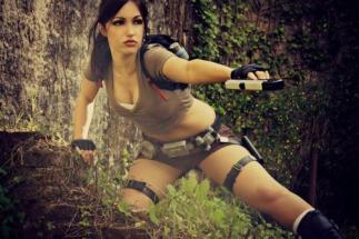 Lara Croft cosplay Eilaire sexy gostosa (Italy) (1)