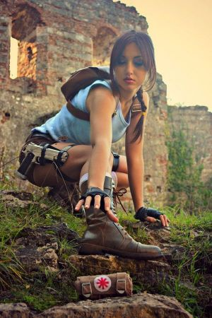 Lara Croft cosplay Eilaire sexy gostosa (Italy) (3)
