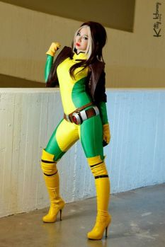 rogue cosplay kitty honey vampira cosplay