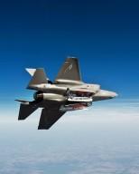 F-35 Baias abertas