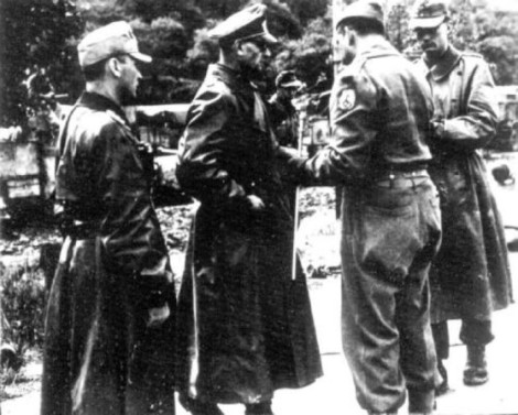 general Otto Fretter Pico se entregando
