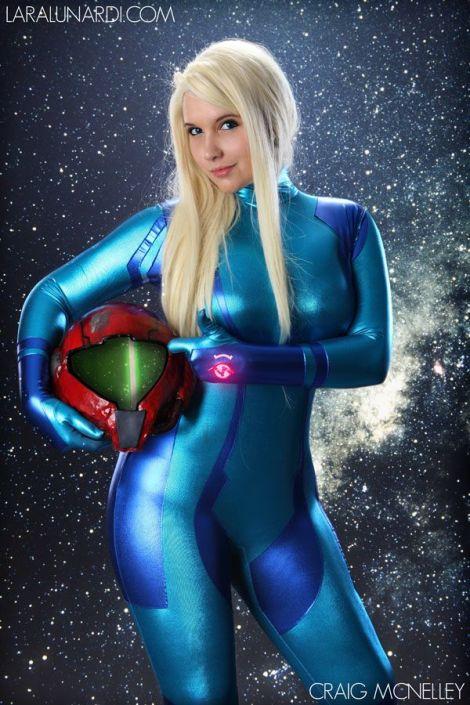Lara Lunard (Brasil) cosplay Samus Aran (Metroid) Zero Suit
