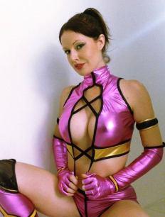 Lady Jaded cosplay Mileena sexy tits gostosa