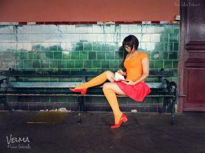 Luna Gabriella cosplay sexy Velma gata
