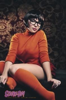 Velma cosplay gostosa Mariedoll sexy