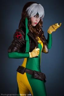rogue cosplay sexy Monika Lee vampira cosplay gostosa