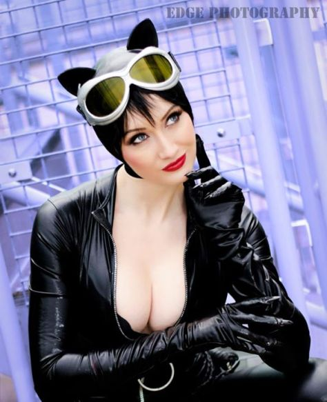 Dayna Baby Lou Catwoman cosplay mulher gato sexy gostosa