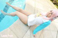 Cosplay Super Sonico strip tease bikini Laura Pyon gostosa