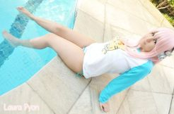 Cosplay Super Sonico strip tease bikini Laura Pyon gostosa