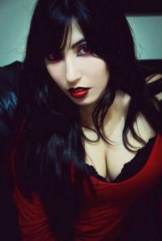 Cosplay Tifa vampire sexy Danielle Vedovelli gata