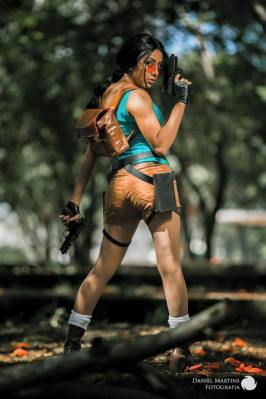 cosplay lara croft sexy nayigo gata