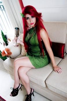 Cosplay Poison Ivy gata sexy Dy Chan Era Venenosa