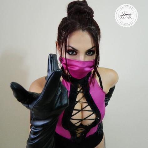 mileena cosplay sexy gata Luna Gabriella
