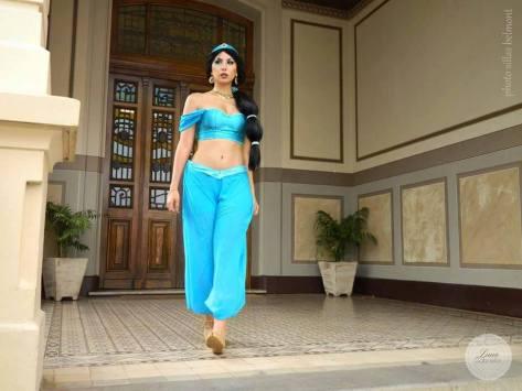 Yasmin sexy cosplay Luna Gabriella gostosa