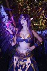 Adami Langley cosplay Morgana big boobs lol sexy gostosa