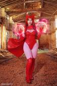 Adami Langley cosplay sexy Scarlet Witch wide hips feiticeira escarlate gostosa