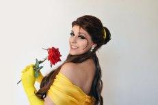 bela cosplay disney Thábata Cardoso the beauty and the beast