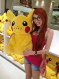Cosplay Adami Langley pokemon sexy gata por ela mesma