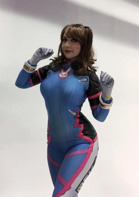 D.Va cosplay sexy gostosa Lara Lunardi