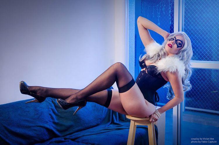 gata negra cosplay sexy gostosa Vivian Vee