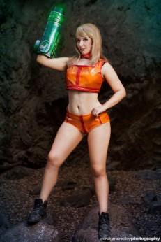 Metroi cosplay samus aran zero suit sexy Lara Lunardi gata ecchi samus
