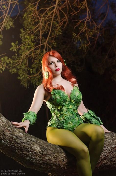 poison ivy cosplay era venenosa sexy Vivian Vee gata